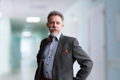 Andrzej Komor - specjalista ortopedii i traumatologii w Carolina Medical Center.