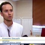 """Dr Krzesimir Sieczych, specjalista ortopedii i traumatologii, na łamach programu FAKTY TVN oraz """"Wstajesz i weekend"""" opowiadał o urazach doznanych w trakcie jazdy na hulajnodze elektrycznej."""