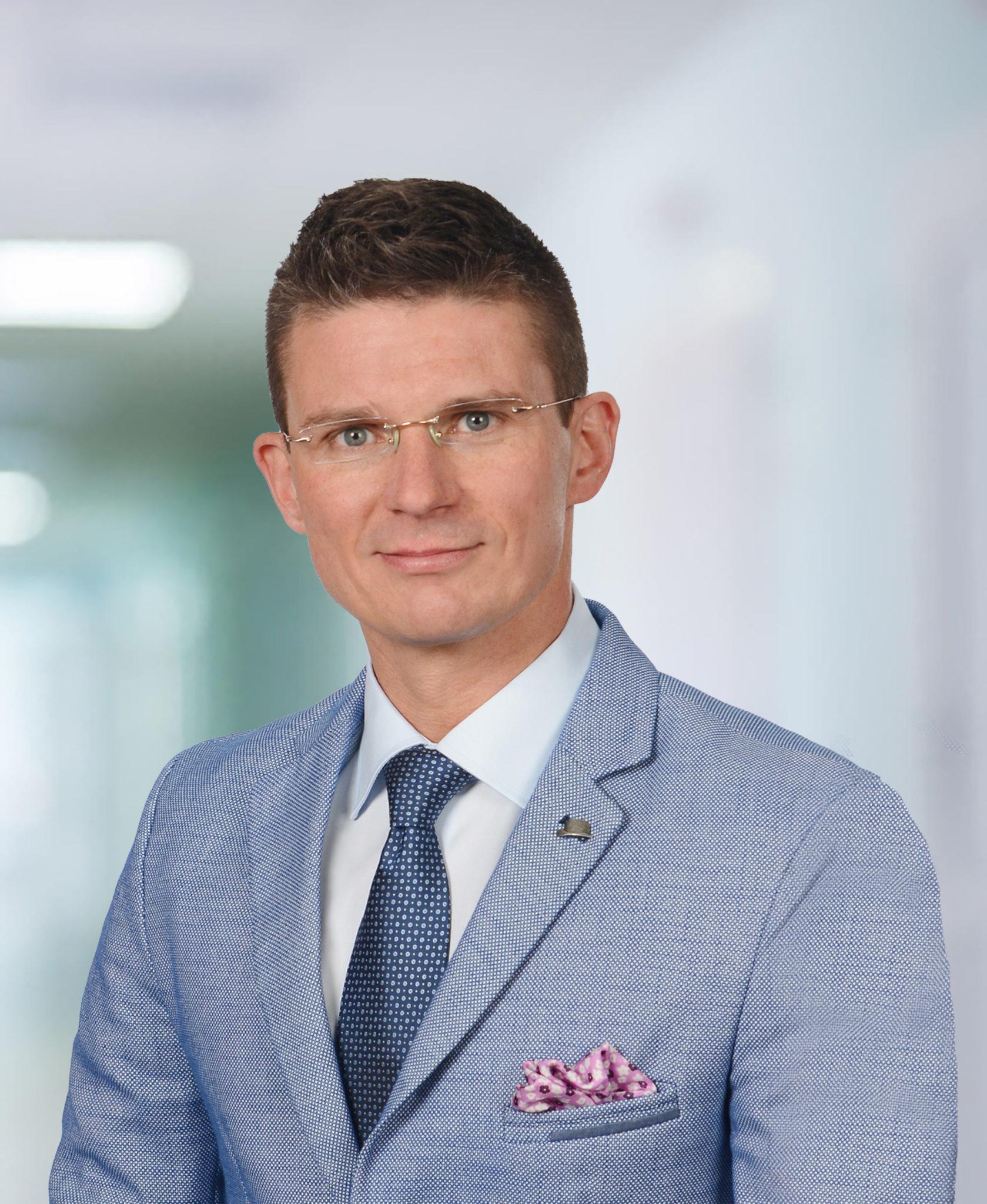 W Carolina Medical Center w Gdańsku przyjmuje dr n. med. Dawid Mrozik - chirurg ręki.
