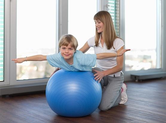 Fizjoterapia-dla-dzieci_informacja-prasowa_Carolina-Medical-Center.